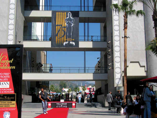 Platon Graphics was selected by Kodak Theater to help with their banners for the celebrate 75th Anniversary of the Oscars.