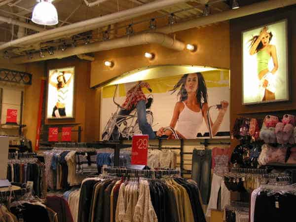 Wet Seal hired Platon Graphics to help them with their re-branding signage